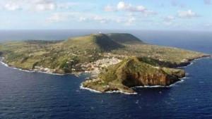 Ustica - l'isola vista dall'alto